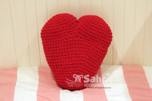 Heart Pillow Pattern by Sahrit