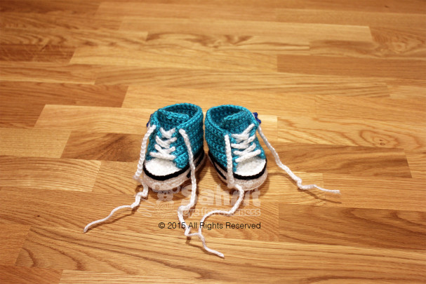 Converse Baby Shoe Pattern by Sahrit