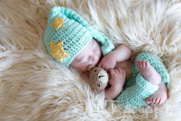 Sleepy Baby Pattern by Sahrit