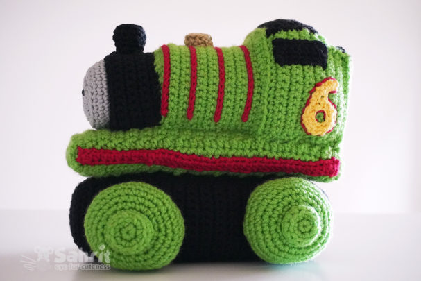 Green Train Pattern by Sahrit